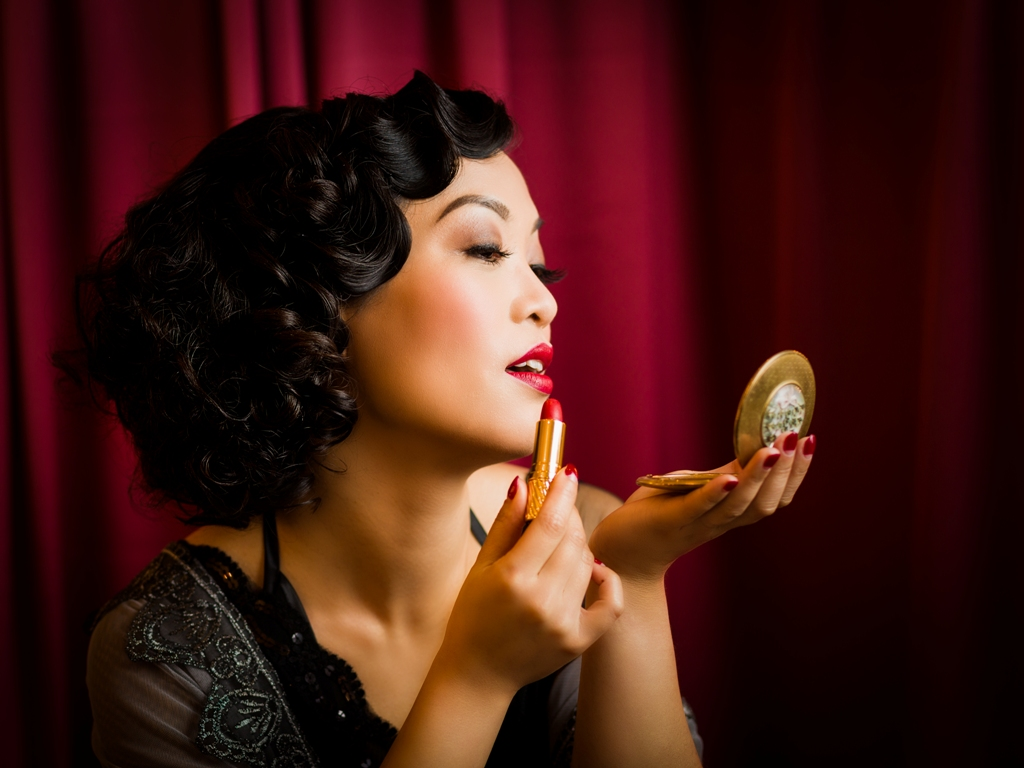 Marianne Cheesecake is modelling for The Vintage Beauty Parlour. Photo by TerryMc Photography (Terry McNamara).